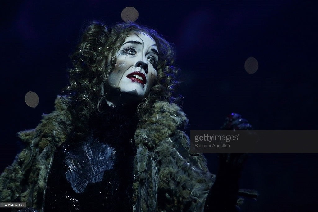 Erin Cornell playing Grizabella